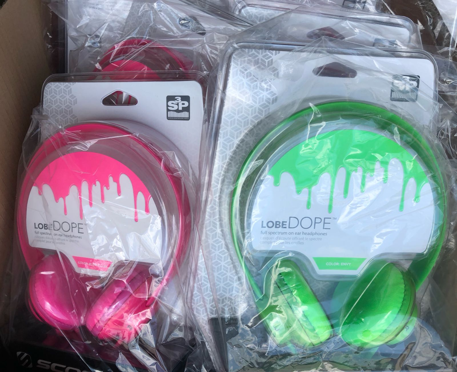 WTS: Scoshe LobeDOPE HEADPHONES W/BUILT IN MIC AND MUSIC CONTROLS!! Model: SPH400. ONLY $4.75!! @GLI
